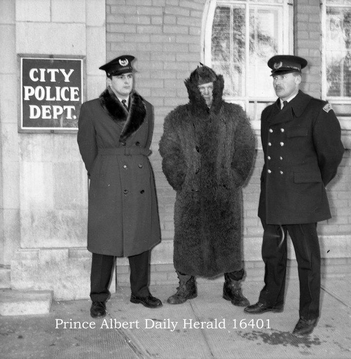 Dave Demkiew_VernHunt_John Zuck_New coats_23 Nov1966