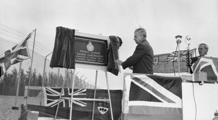 Diefenbaker unveils plaque_PAHS_CROP