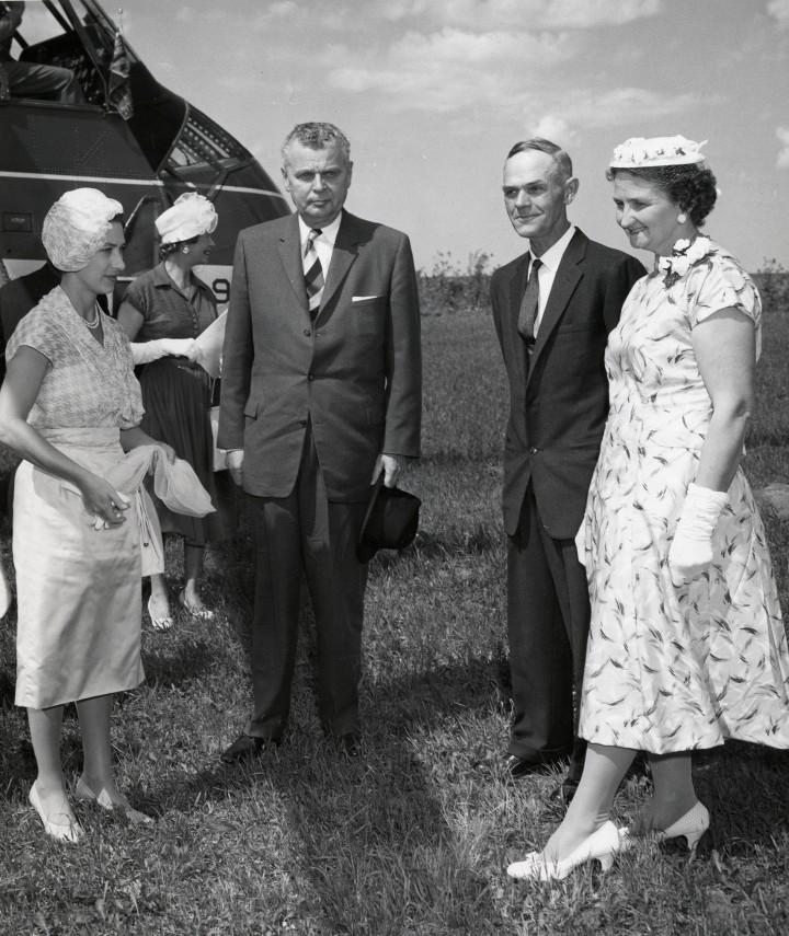 R 78 Pr Margaret, Diefenbaker, Skotheims 1958 001
