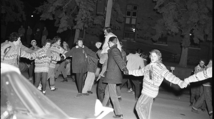 PADH 1611 Halloween Snake Dance 1961 002